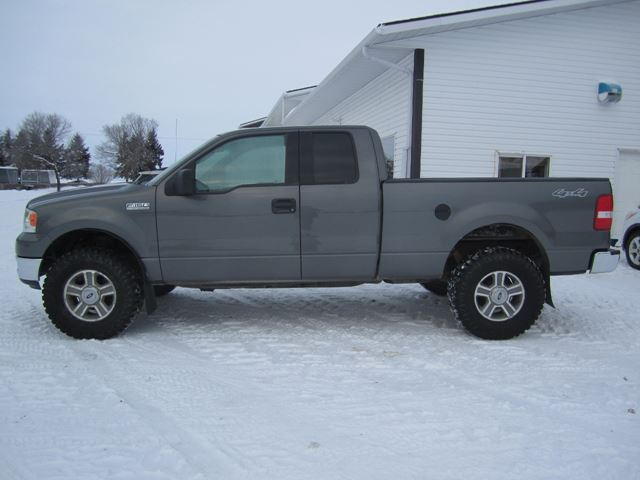2004 Ford F-150 XLT in