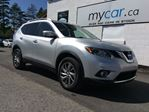 2015 Nissan Rogue SL LEATHER, SUNROOF, NAV!! in North Bay, Ontario