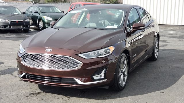 2019 FORD FUSION Titanium NAVIGATION/BACK UP CAMERA/LEATHER/SUNROOF/REMOTE STARTER/ALL SAFETY FEATURES in Lower Sackville, Nova Scotia