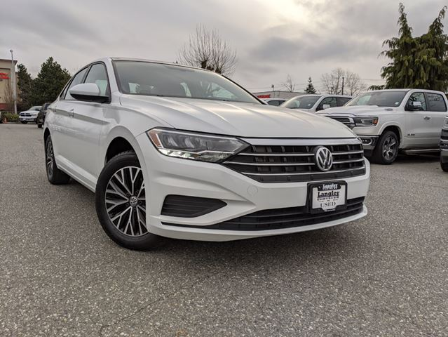 2019 VOLKSWAGEN JETTA 1.4 TSI Highline  Ride comfort is on par with luxury cars / Standard Apple CarPlay and Android Auto connectivity in Surrey, British Columbia