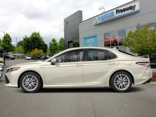 2020 TOYOTA CAMRY Hybrid XLE  - Sunroof -  Navigation - $265 B/W in Surrey, British Columbia