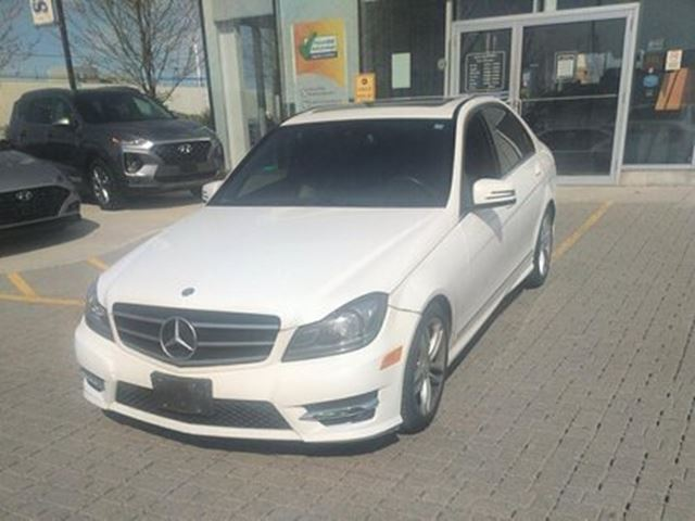 2014 MERCEDES-BENZ C-CLASS AWD   Navi   Roof   Accident Free in Mississauga, Ontario