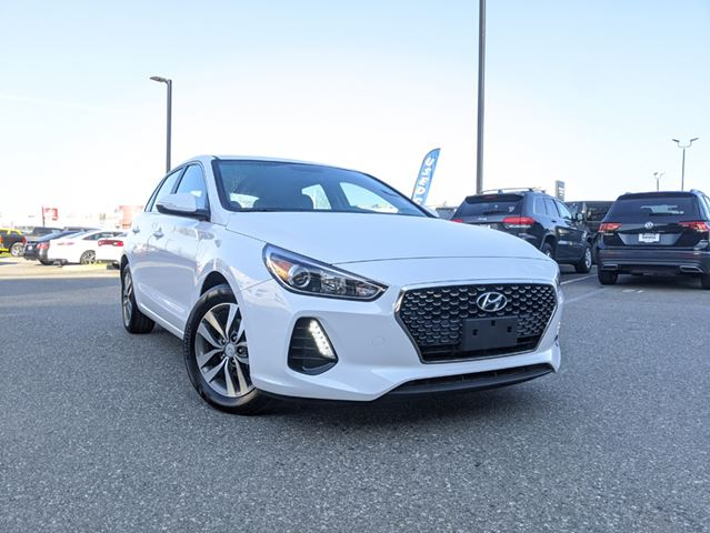 2019 Hyundai Elantra Preferred  Comfortable ride / Quiet cabin / Fuel Efficient in Surrey, British Columbia