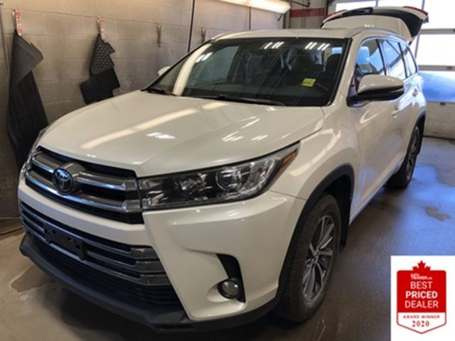 2018 Toyota Highlander AWD XLE SUNROOF NAVIGATION 8-PASS LEATHER in
