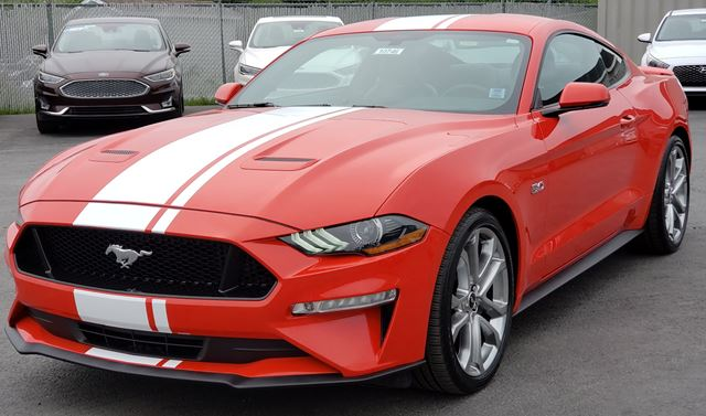 2019 FORD MUSTANG GT Premium NAVIGATION / VENTILATED SEATS / LEATHER / SUNROOF / JUST IN TIME FOR SUMMER! in Lower Sackville, Nova Scotia