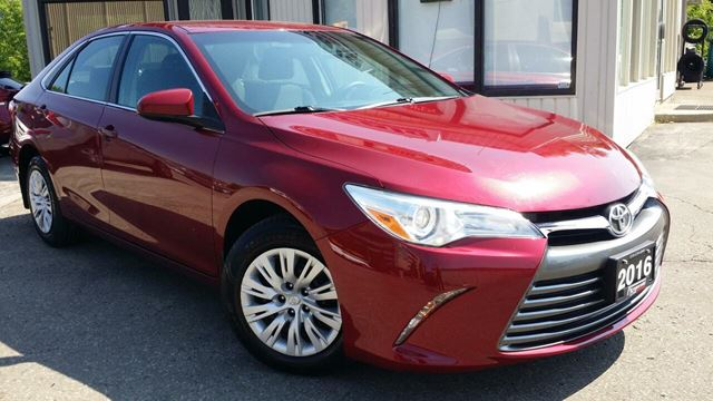 2016 Toyota Camry LE - BACK-UP CAM! HEATED SEATS! in