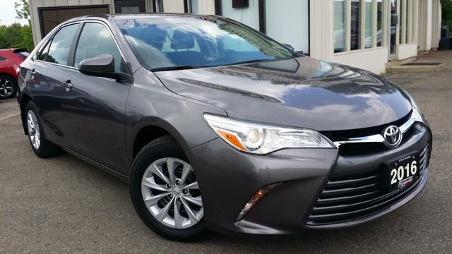 2016 Toyota Camry LE - BACK-UP CAM! BLUETOOTH! ONLY 47KM! in